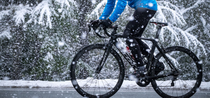 Oświetlenie rowerowe zimą